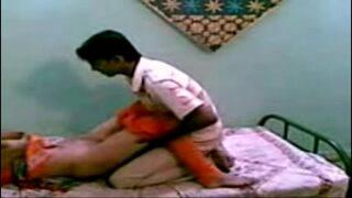 19 வயது டீன் பையன் பக்கத்து வீடு பெண்ணை ஓக்கும் டீன் பெண் செஸ் வீடியோ