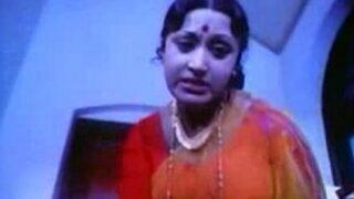 இளமையான பையனை ஆண்ட்டி செஸ் செய்யும் தமிழ் செக்ஸ்  படம்