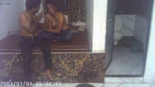 பிராண்ட் ரூம்ல காதலியை ரொமான்டிக் மூடில் தொட்டு ஓத்தேன்